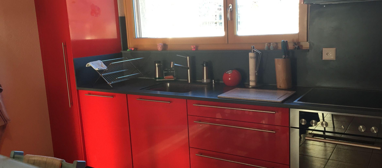 Cuisine rouge et noir | MDM – Menuiserie des Marais