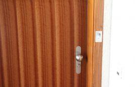 Porte de sécurité à ouverture digitale
